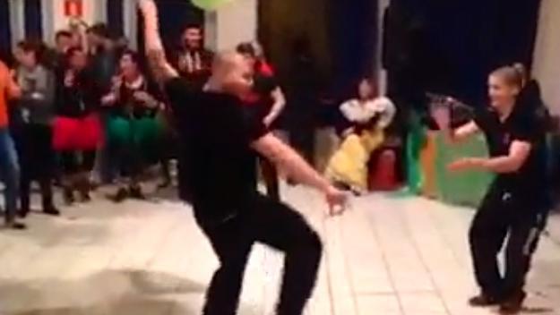 VIDEO. INSOLITE. Les U18 de la Géorgie fêtent leur victoire avec une danse traditionnelle endiablée