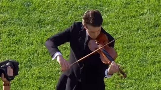 VIDEO. L'Ireland's Call au violon avant le match historique face aux All Blacks