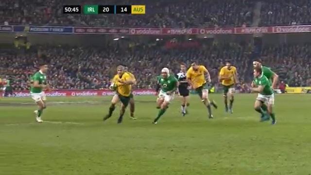 VIDEO. Wallabies : David Pocock joue avec la règle pour une interception de filou face à l'Irlande