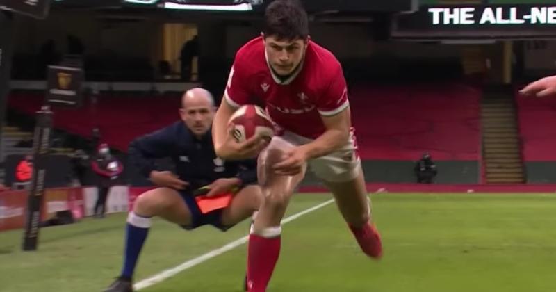 VIDEO - O'Mahony voit rouge, North et Rees-Zammitt évitent le piège : les meilleurs moments de Galles - Irlande