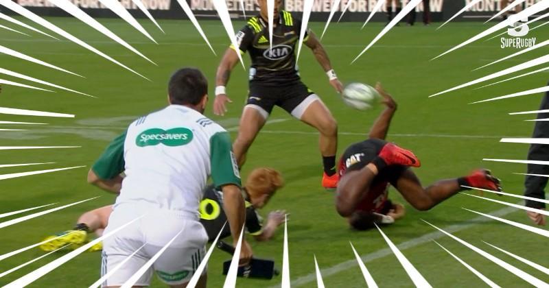 Super Rugby - Manasa Mataele a réalisé la passe la plus incroyable de l'année ! [VIDÉO]