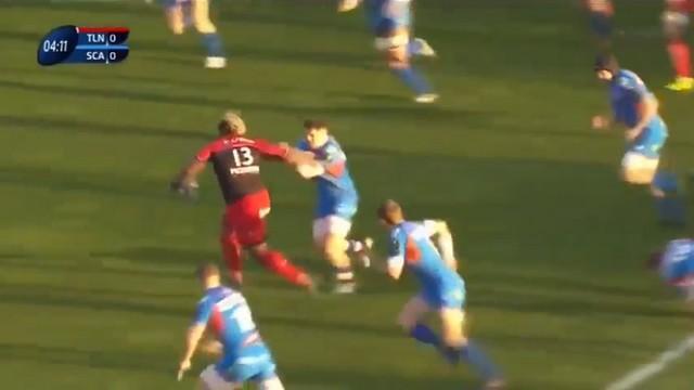 VIDEO. Champions Cup - Toulon. Mathieu Bastareaud fait des trous dans la défense des Scarlets avec ses charges dévastatrices