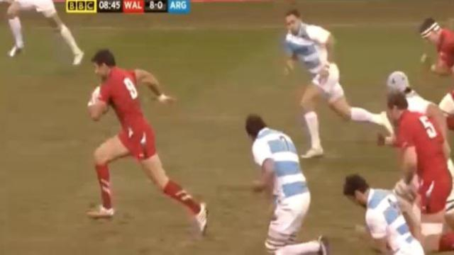 VIDEO. L'énorme plaquage pour l'essai de Mike Phillips face à l'Argentine