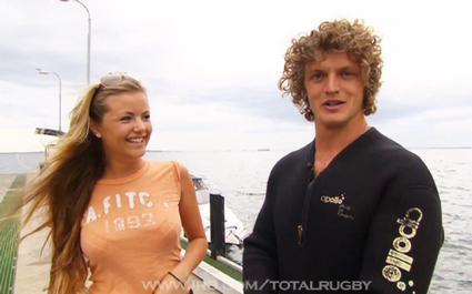 De jolies filles, du soleil et des dauphins... Nick Cummins vous emmène à Perth