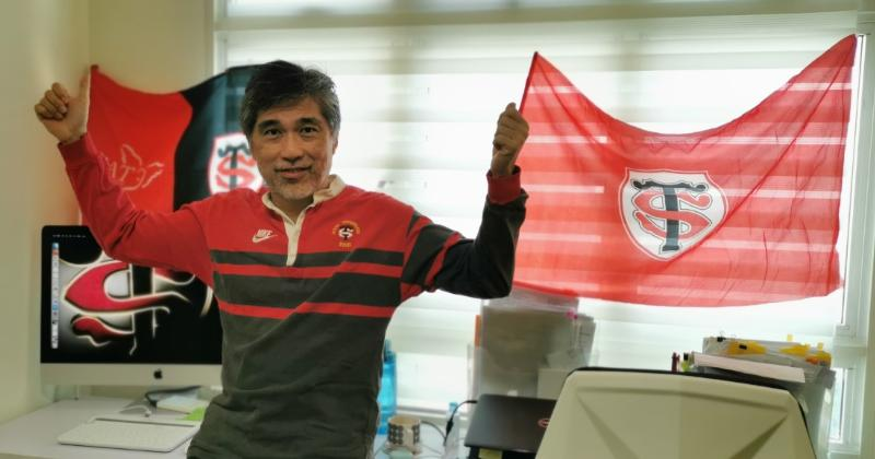 On a rencontré le plus atypique des supporters du Stade Toulousain, basé à Singapour !