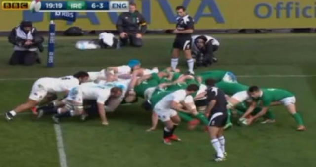 VIDEO. Le rugby pour les nuls - leçon 5: Comment maitriser la défense en sortie de mêlée