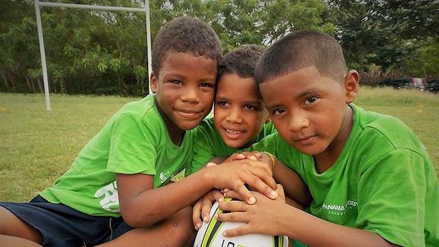 Au Panama, une ONG lutte contre la précarité infantile grâce au rugby