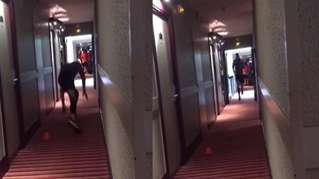 VIDEO. Insolite : Quand Sonny Bill Williams s'entraîne dans les couloirs de l'hôtel... à 8h du matin