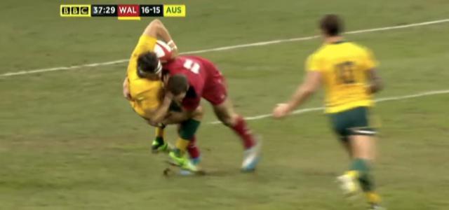 VIDEO. Les deux énormes plaquages successifs de George North et Richard Hibbard contre l'Australie