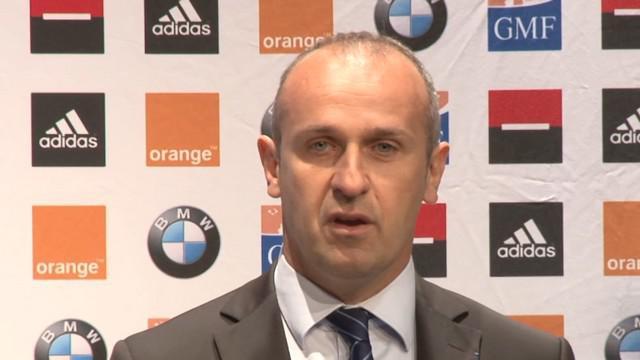 VIDEO. XV de France. Philippe Saint-André évoque Burban et Danty pendant que Mermoz s'interroge