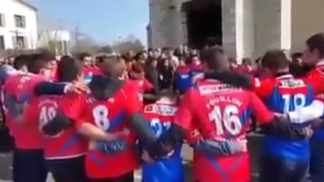 VIDEO. L'hommage émouvant de jeunes rugbymen à leur coéquipier décédé