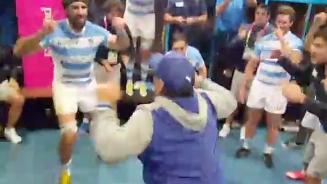 VIDÉO. INSOLITE. Quand Diego Maradona vient mettre l'ambiance dans le vestiaire des Pumas