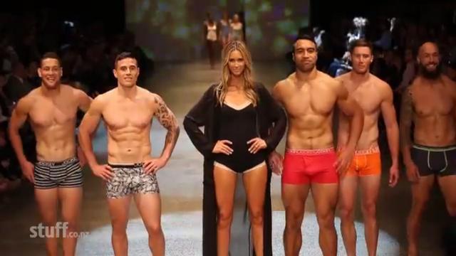 VIDEO. INSOLITE. Quand les All Blacks défilent en sous-vêtements à la fashion week