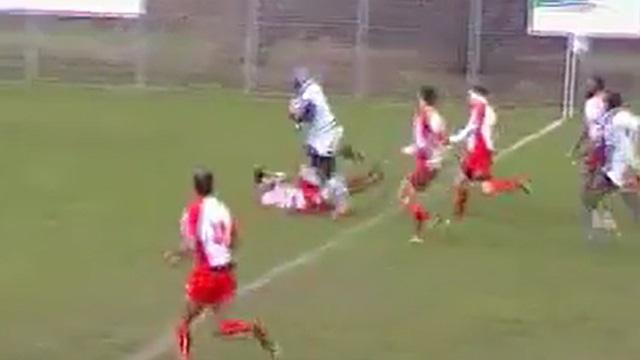 VIDEO. Rugby Amateur : l'énorme fulguro-poing renverse un adversaire en 4ème série