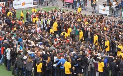 Record de la plus grande mêlée du monde battu à Toulouse