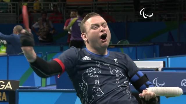 VIDEO. L'histoire incroyable de Rob Davies, ancien talonneur devenu champion paralympique
