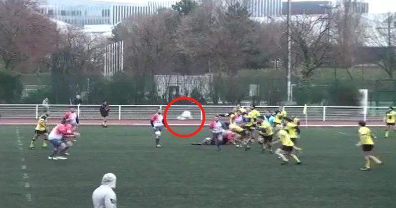Rugby Amateur : le ballon se cache sous un maillot... et le jeu continue comme si de rien n'était [Vidéo]