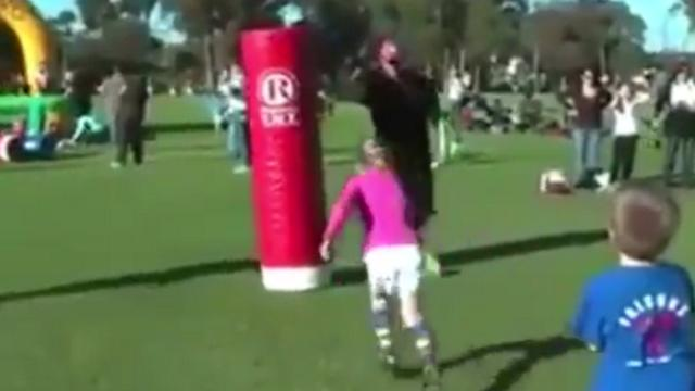 VIDEO. Rugby Amateur #95 : un jeune rugbyman tombe dans le piège de son éducateur