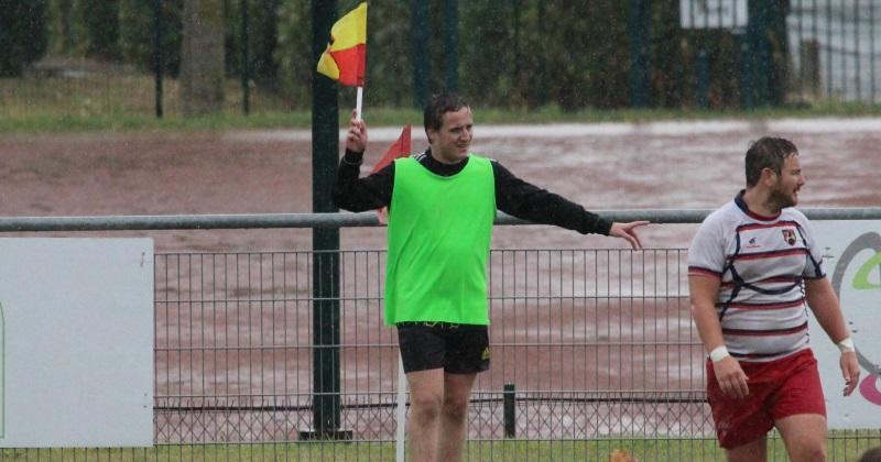 Rugby Amateur : Tu sais que tu es drapeau de touche quand...