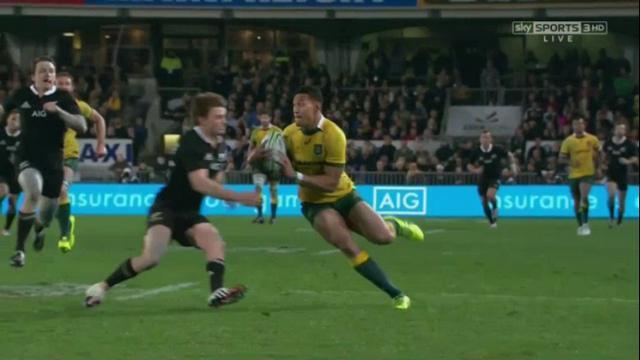 """VIDEO. Rugby Championship. Le superbe sauvetage """"prise de judo"""" de Beauden Barrett sur Israel Folau"""