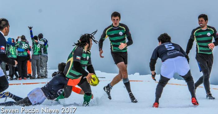 PHOTOS. Au Chili, on dispute un tournoi de 7s dans la neige... et sur un volcan actif !