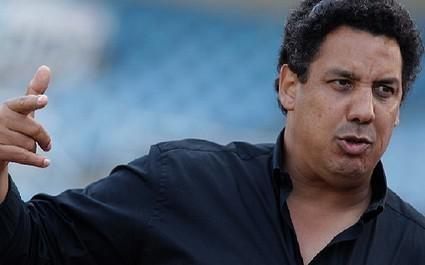 Serge Blanco réagit violemment aux propos de Chabal