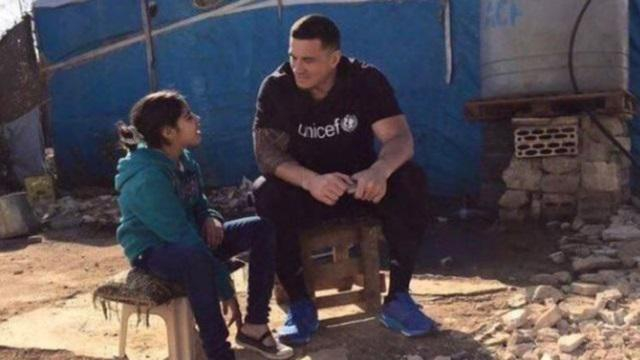 Sonny Bill Williams critiqué par l'UNICEF après la publication de photos d'enfants morts sur Twitter