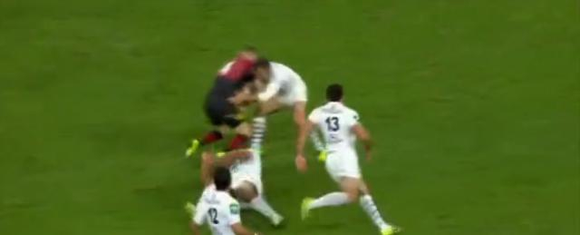 VIDEO. Stade Toulousain - Saracens : Jean-Marc Doussain met un stop à Chris Ashton
