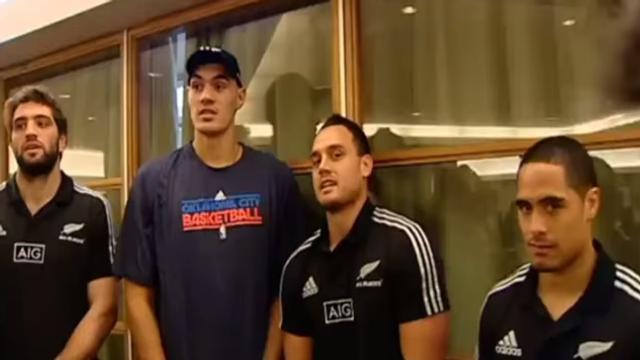 Stevens Adams : Un ancien rugbyman néo-zélandais qui est en train de se faire un nom NBA