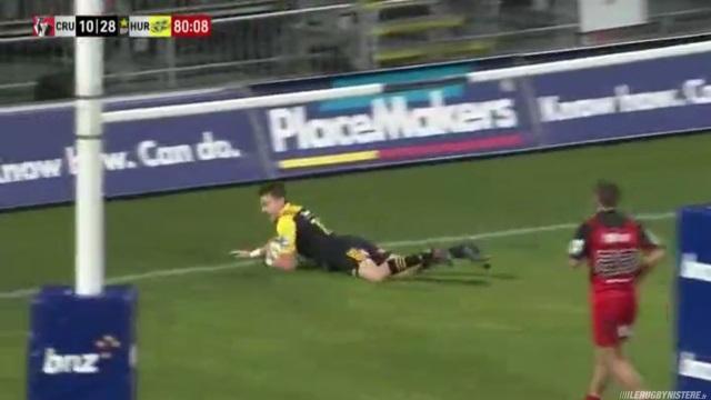 VIDEO. Super Rugby : Beauden Barrett marque l'essai le plus difficile de sa carrière