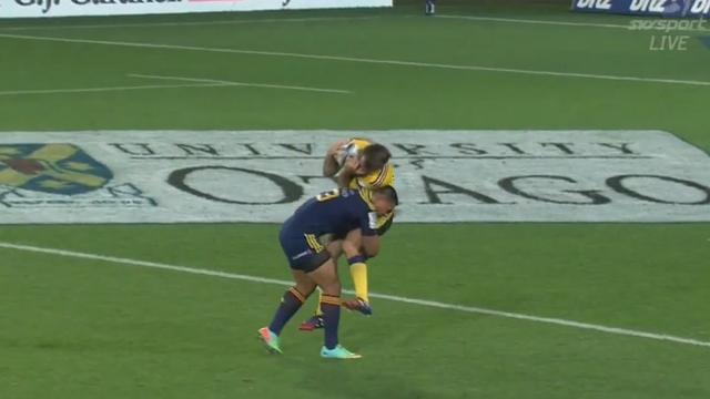 VIDEO. Super Rugby. La grosse cartouche de Malakai Fekitoa sur le All Black Conrad Smith