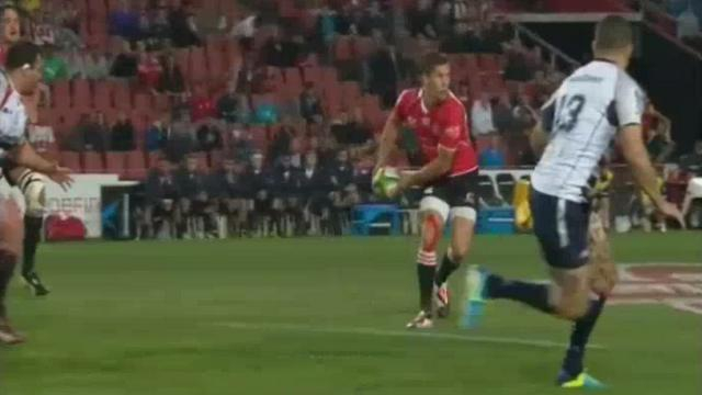 VIDEO. Super Rugby - La magnifique passe bombée de Marnitz Boshoff face aux Rebels