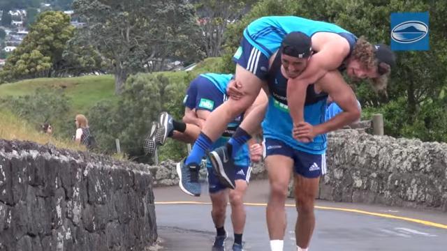 VIDEO. Super Rugby - La préparation exténuante des Auckland Blues dans les collines de Cornwall Park