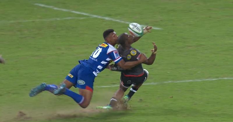 VIDÉO. Super Rugby : le offload à l'aveugle magique de Mapimpi pour l'essai des Sharks