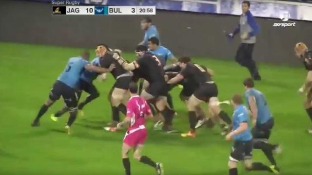 VIDEO. Super Rugby : la cocotte monstrueuse des Jaguares enfonce les Bulls jusqu'à l'en-but