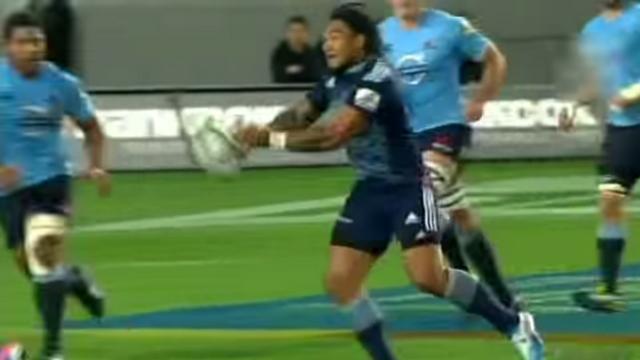 VIDEO. Super Rugby - Ma'a Nonu fait oublier son horrible passe avec une splendide sautée pour l'essai