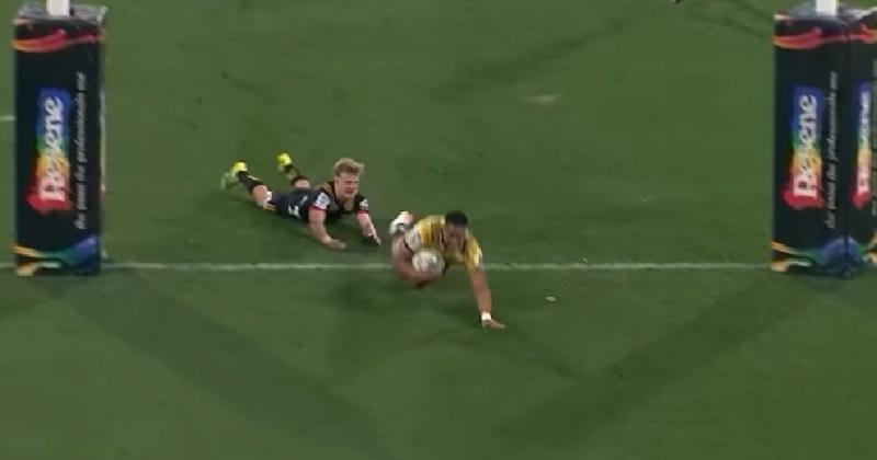 RÉSUMÉ VIDÉO. Super Rugby : Malin et rapide, Julian Savea lance les Hurricanes vers les 1/2 finales