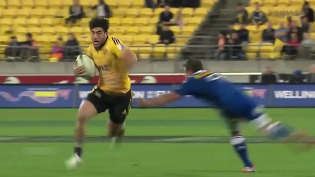 VIDEO. Super Rugby. Nehe Milner-Skudder impressionne avec ses appuis de feu et sa qualité de passe