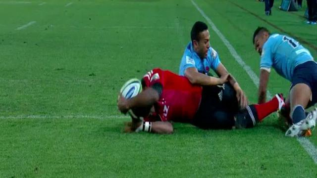 VIDÉO. Finale Super Rugby : Nemani Nadolo avait-il le pied en touche au moment de marquer ?