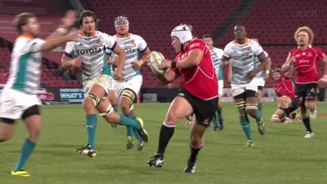 VIDÉO. Super Rugby : Un pilier ridiculise Wille le Roux avec une feinte de passe d'école