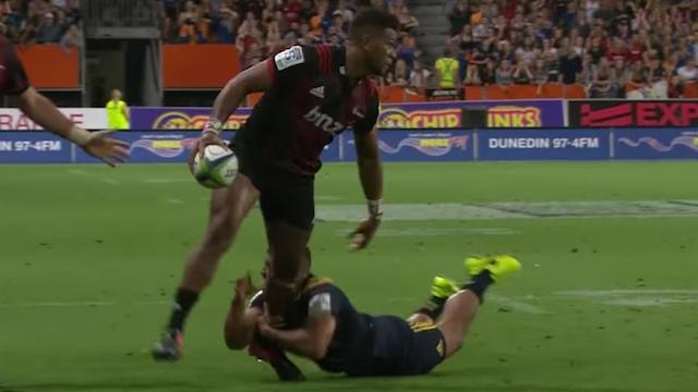 VIDEO. Super Rugby : ballon à une main en mode funambule, Seta Tamanivalu donne la victoire aux Crusaders