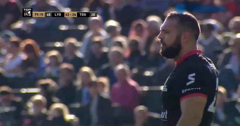 Top 14 - Dans un match animé, le LOU domine Toulon et continue de rêver aux phases finales