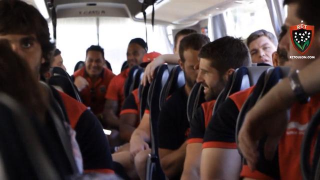 VIDEO. Insolite - Top 14. Bernard Laporte obligerait les joueurs du RCT à écouter une chanson assez spéciale dans le bus