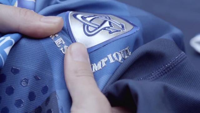 VIDEO. Top 14 - Les Castres Olympique présente ses nouveaux maillots et ses recrues