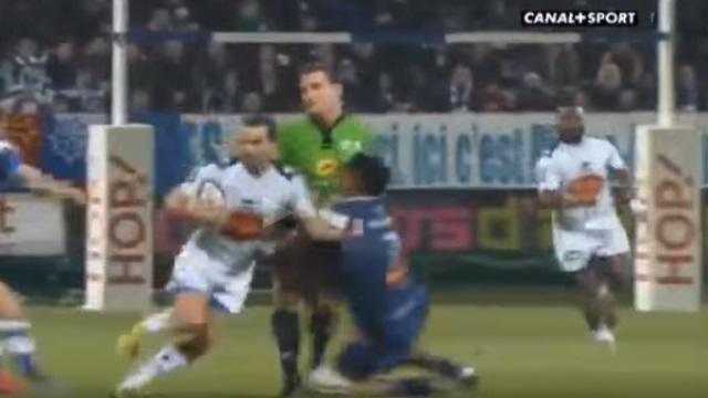 VIDEO. Top 14. Castres - Agen : Piula Faasalele prend l'arbitre pour un joueur et lui met un gros bouchon