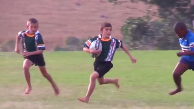 VIDEO. Un petit Sud-Africain de dix ans affole la toile avec ses crochets de folie
