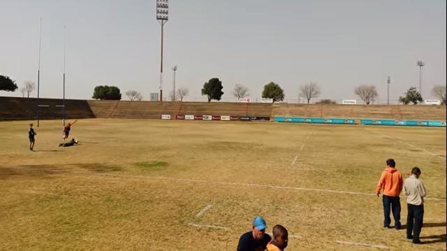 VIDÉO. Un jeune sud-africain passe une pénalité de 80 mètres à l'entraînement !
