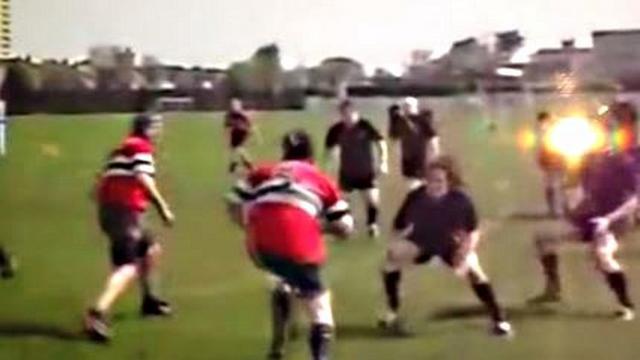 VIDEO. Rugby amateur #32 : Lancé à pleine vitesse, un 2e-ligne se fait enfoncer dans le sol après un plaquage à l'épaule