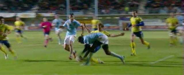 VIDEO. USAP - ASM : Aurélien Rougerie sauve l'essai avec un tacle de footballeur