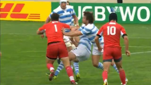 VIDEO – FLASHBACK. Vasil Kakovin fait exploser Felipe Contepomi avec une grosse charge à la Coupe du monde 2011